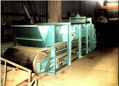 Equipment for production of wall blocks: Feeder