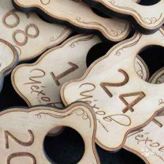 Изготовление ценников, номерков, подставок из дерева
