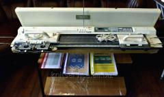 NEW. (Japan). Electronic knitting machine of the