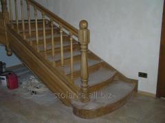 Современные лестницы из деревянными ступеньками
