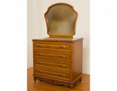 Комод деревянный с зеркалом и резьбой