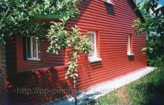 Деревянный дом красный блок-хауз
