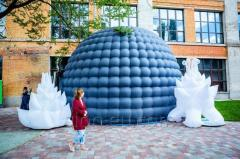 Mobile inflatable planetarium dome inflatable