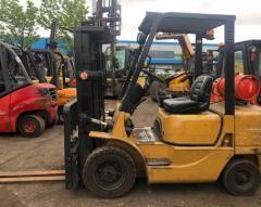 Вилочный погрузчик Cat Lift Trucks FG25K.