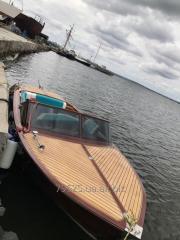 Лодка из ценных пород дерева