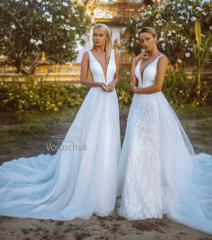 Wedding dress, model  76 and 199