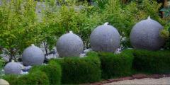 Fontanny z granitu i marmura