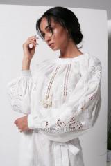 Костюм женский белый брючный легкий с вышивкой