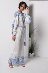 Costume women white with blue embroidery Richelieu