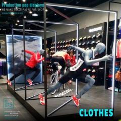 Équipement de magasin de vêtements