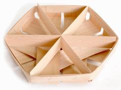Baskets made of veneer