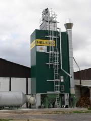 Silo-type elevator grain dryer