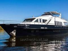 Яхта моторная