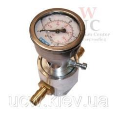 Манометр для инъекций под низким давлением с разделительной мембраной