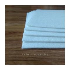 Белый войлок синтетический фетр толщина 2 мм. Плотность 300 г / м2. Ширина рулона 150 см.