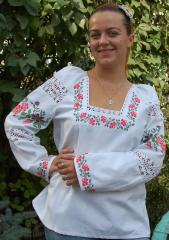 The shirt embroidered female handwork