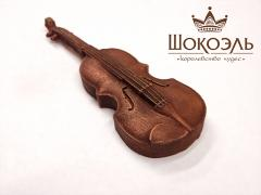 Violin from chocolate
