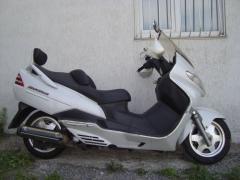Мотоцикл максискутер Suzuki SkyWave 250-2