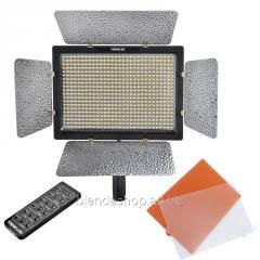 LED - осветитель, видеосвет Yongnuo YN600L II