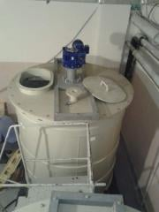 The tank for storage and processing of apple puree