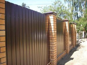 Fence from a professional flooring