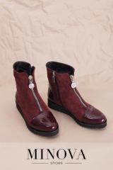 Натуральные замшевые ботинки с лакированными...