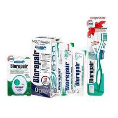 Набор Совершенный уход ТМ Биорепейр с зубной щеткой в подарок