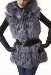 Меховый жилет из меха финской чернобурки с