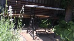 Кофейный столик чугунный со столешницей из