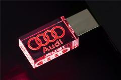 USB 3D AUDI 32G КРАСНАЯ