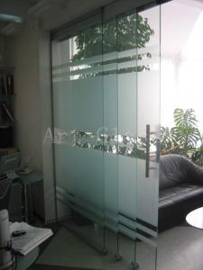 Двери офисные из стекла,  индивидуальный...
