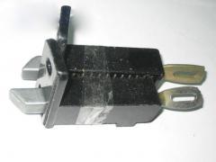 Стопор двери задний (комплект верх низ) Газель
