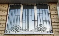 Решетки металлические оконные кованые