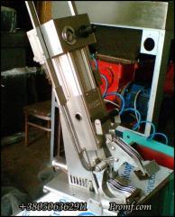 Klipsator pneumatic dvukhklipny desktop KN-21