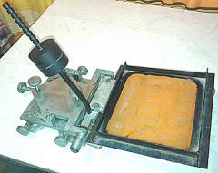 Shelkotrafaretny machine.
