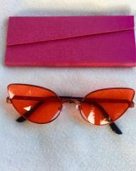 Красные солнцезащитные очки лисички Fendi Узкие