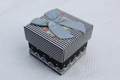 Подарочная коробочка для кольца или серег 5*4*4