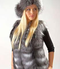 Tailoring of women's vests from fur