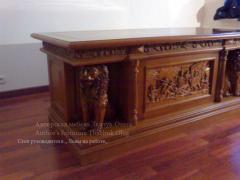 Table room of the massif, with woodcarving