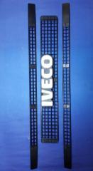 Решетка радиатора (комплект 3шт) на IVECO DAILY