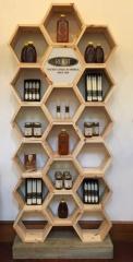 Деревянный книжный шкаф «Соты»