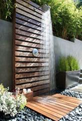 Деревянный уличный душ