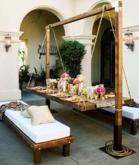Подвесной стол и скамейки