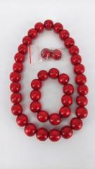 Комплнкт красные бусы браслет и сережки