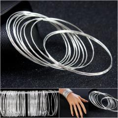 """(100 шт) Тонкие браслеты """"Неделька"""" Ø6,5см (ширина одного браслета 1мм) Цвет - Серебро (сп7нг-2969)"""