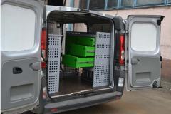 Laboratories are complete, mobile for car service.