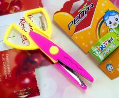 Ножницы детские с фигурными лезвиями за 1шт