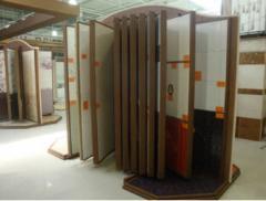 Expozitora for a ceramic tile
