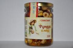 Filbert in honey, 320 g.
