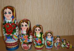The Ukrainian painted nested doll from 9 pieces 904